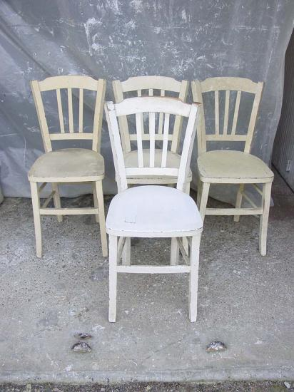 4 chaises blanches 1