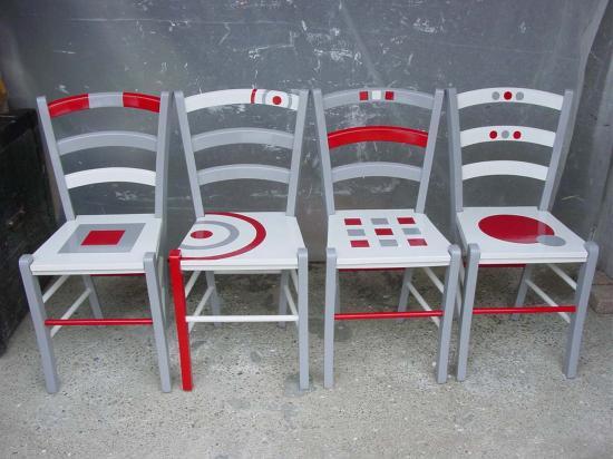 4-chaises-mela-1.jpg