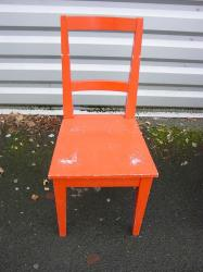 6-chaises-rouges-3.jpg