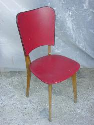 6 chaises rouges 1