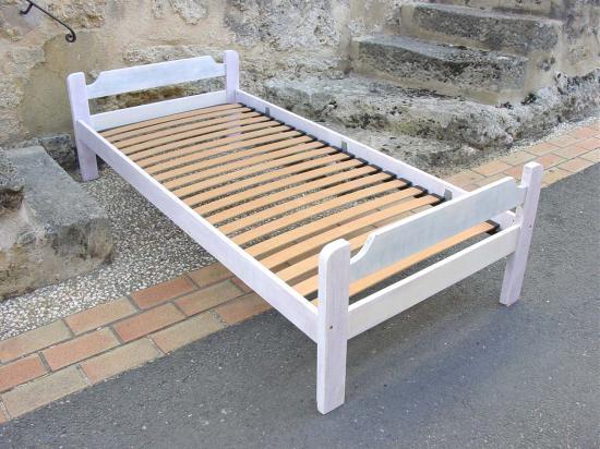au lit. Black Bedroom Furniture Sets. Home Design Ideas