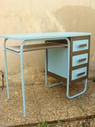 Bureau bleu 9