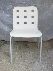 Chaise trous 1
