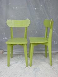 chaises-vertes-1.jpg