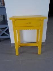 Chevet jaune