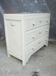 Commode chenille 4