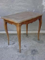 petite-table-2.jpg