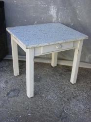 petite-table-4.jpg