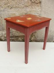 Table rouge 2